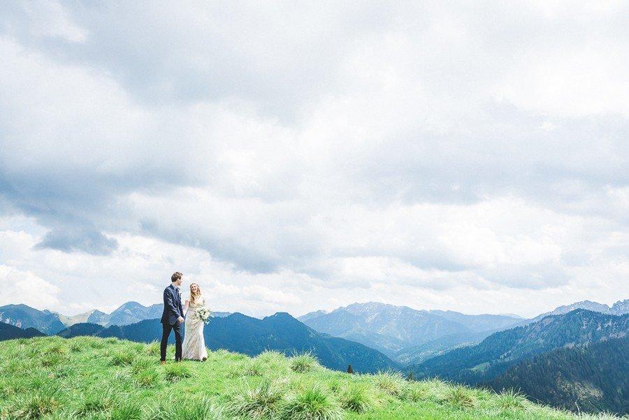 elopement-alm-tegernsee-alpen-natur-freie-trauung-hochzeit-berg-50