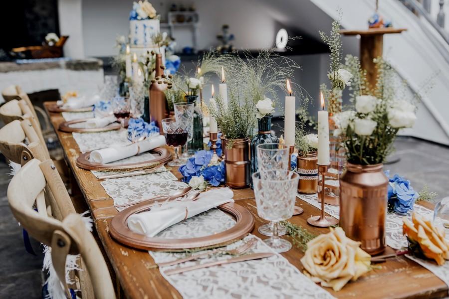 ... für eine herbstliche Hochzeit in den Farben Blau und Kupfer