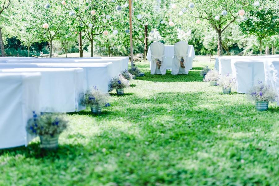 Romantische Sommerhochzeit mit freier Trauung im Garten von Kitty Fried