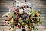 Ideen für eine Hochzeit mit Metallic-Akzenten, Sukkulenten und rosa Pfeffer