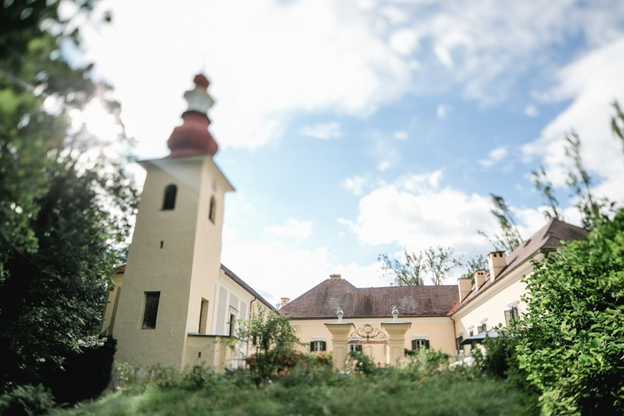 schloss-damtschach-hochzeit-oesterreich-see-sommer-tanjaundjosef-46
